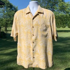 Tommy Bahama Casual Collared Floral Button Down